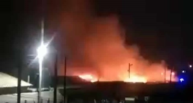 Watch: Raging fire consumes Nkrumah Circle market