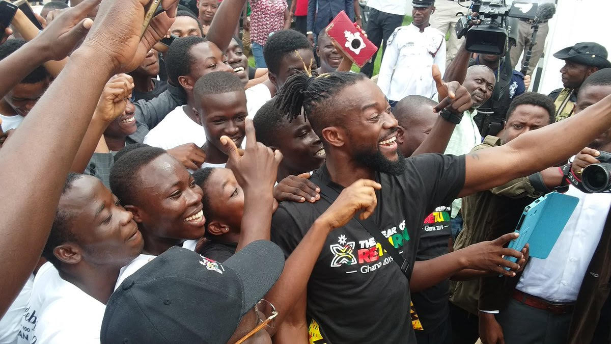 Photos: WWE Champion Kofi Kingston meets fans in Accra.