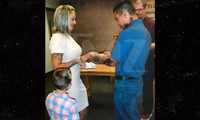 Photo: MMA fighter serving life sentence marries girlfriend in prison