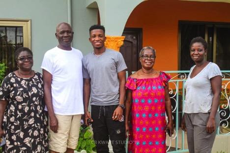 Kofi Kinaata with the Abekah Family