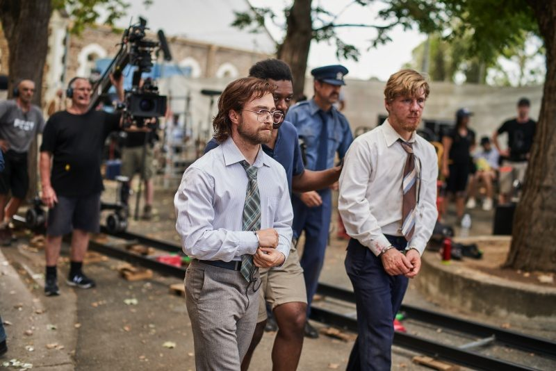 Francis Annan in a quick talk with Daniel Radcliffe and Daniel Webber during the filming
