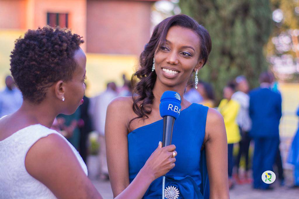 Why are there so few female journalists in Rwanda?