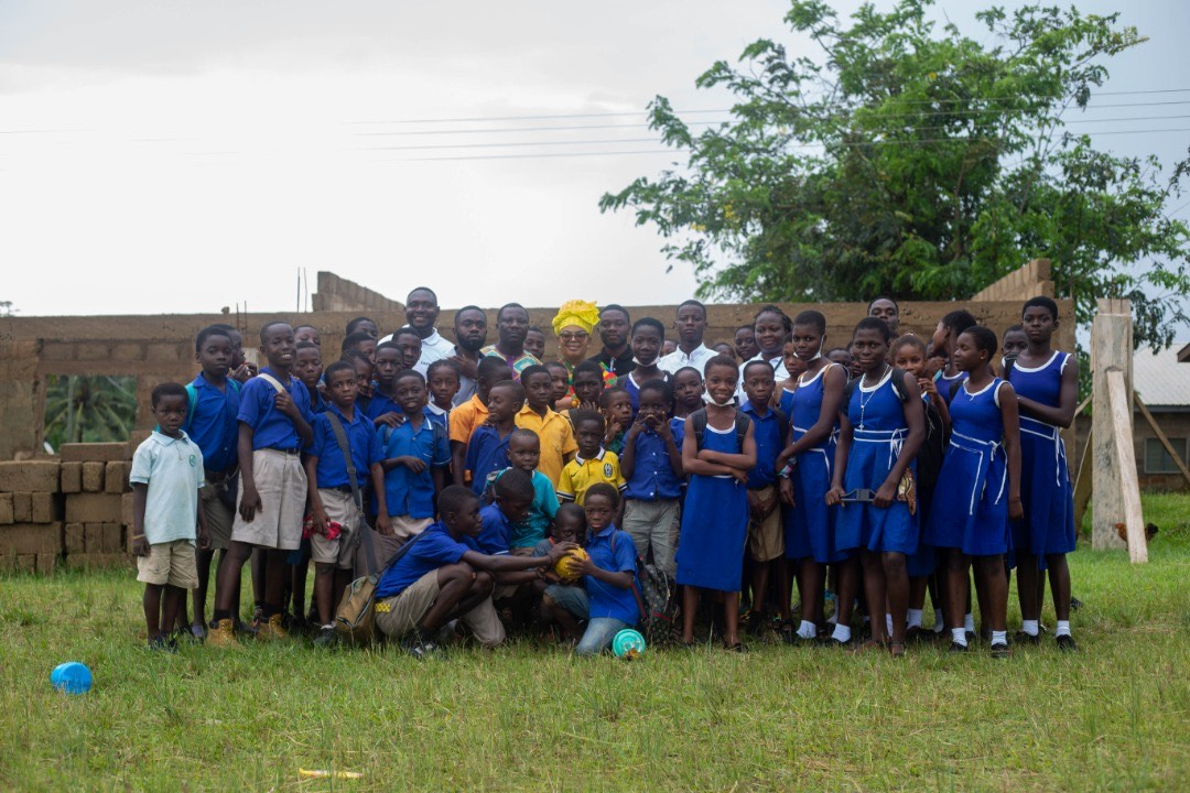 CEBA'21 rescues pupils of Twifo Nuamakurom D/A basic from 'schooling under tree'