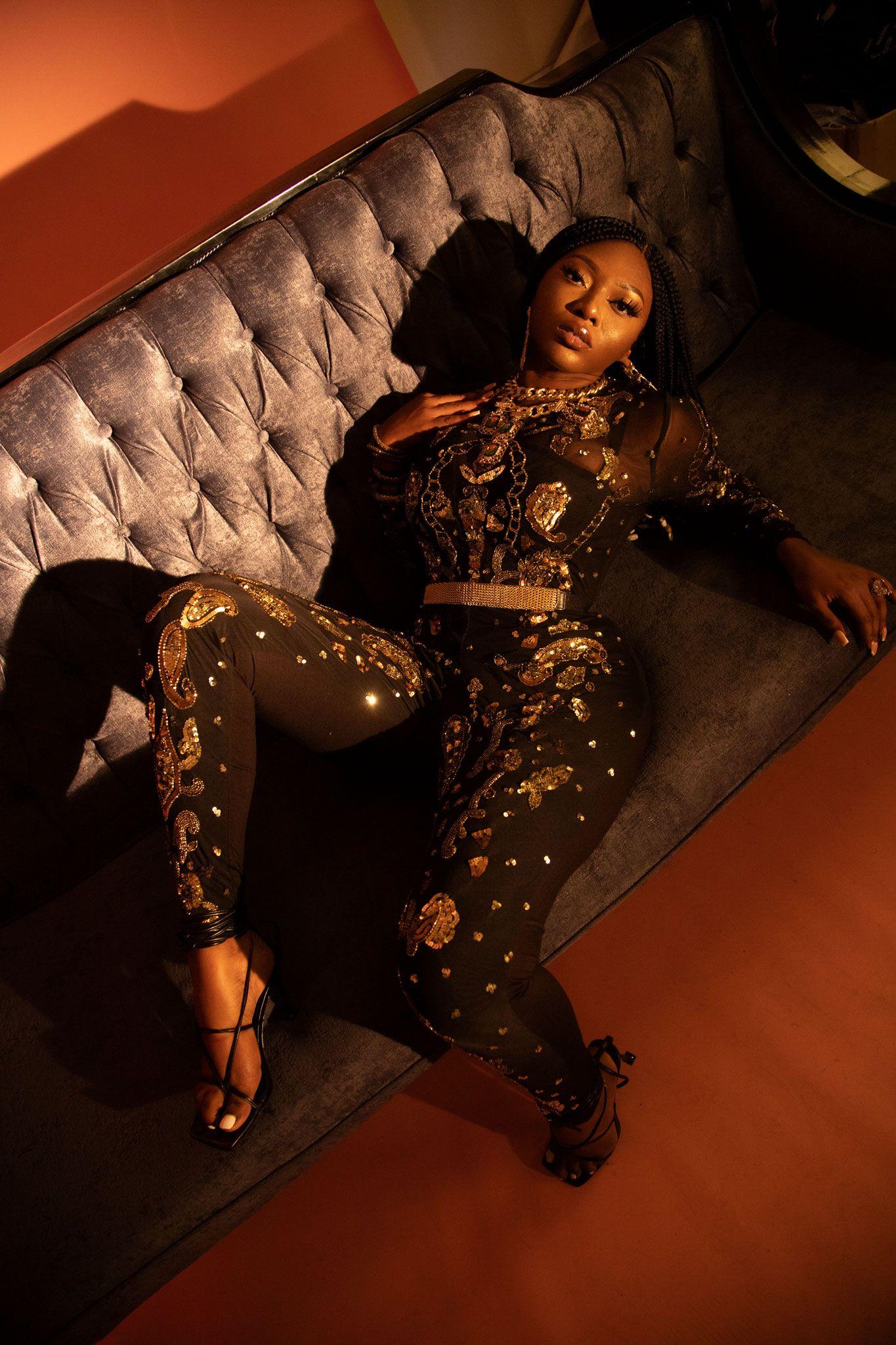 "Ghanaian Songstress S3fa Enlists Rapper Sarkodie & Hitmaker DJ Tira for Dance Hit ""Fever"""